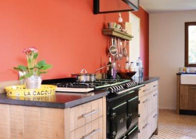 cuisine-atelier-rouge-sur-mesure-rennes-lannion