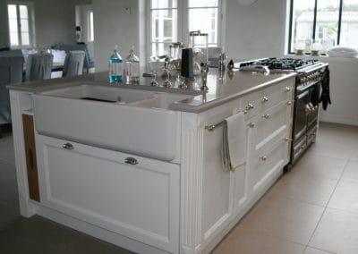 vaisselier-cuisine-tradition-sur-mesure