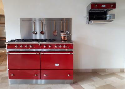 piano-cuisson-cuisine-couleur-rouge-lacanche